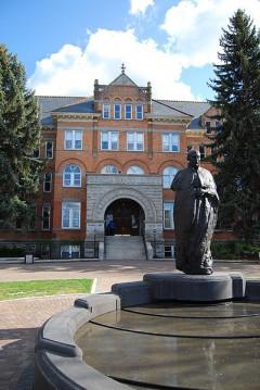 The main entrance of Gonzaga University/Wikipedia