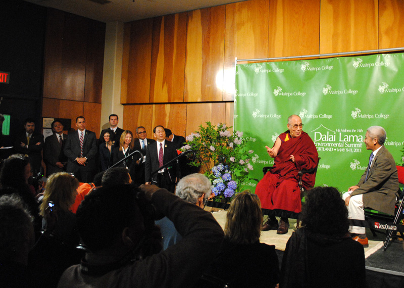 Dalai Lama says Pope Francis is unwilling to meet: 'It could cause problems'