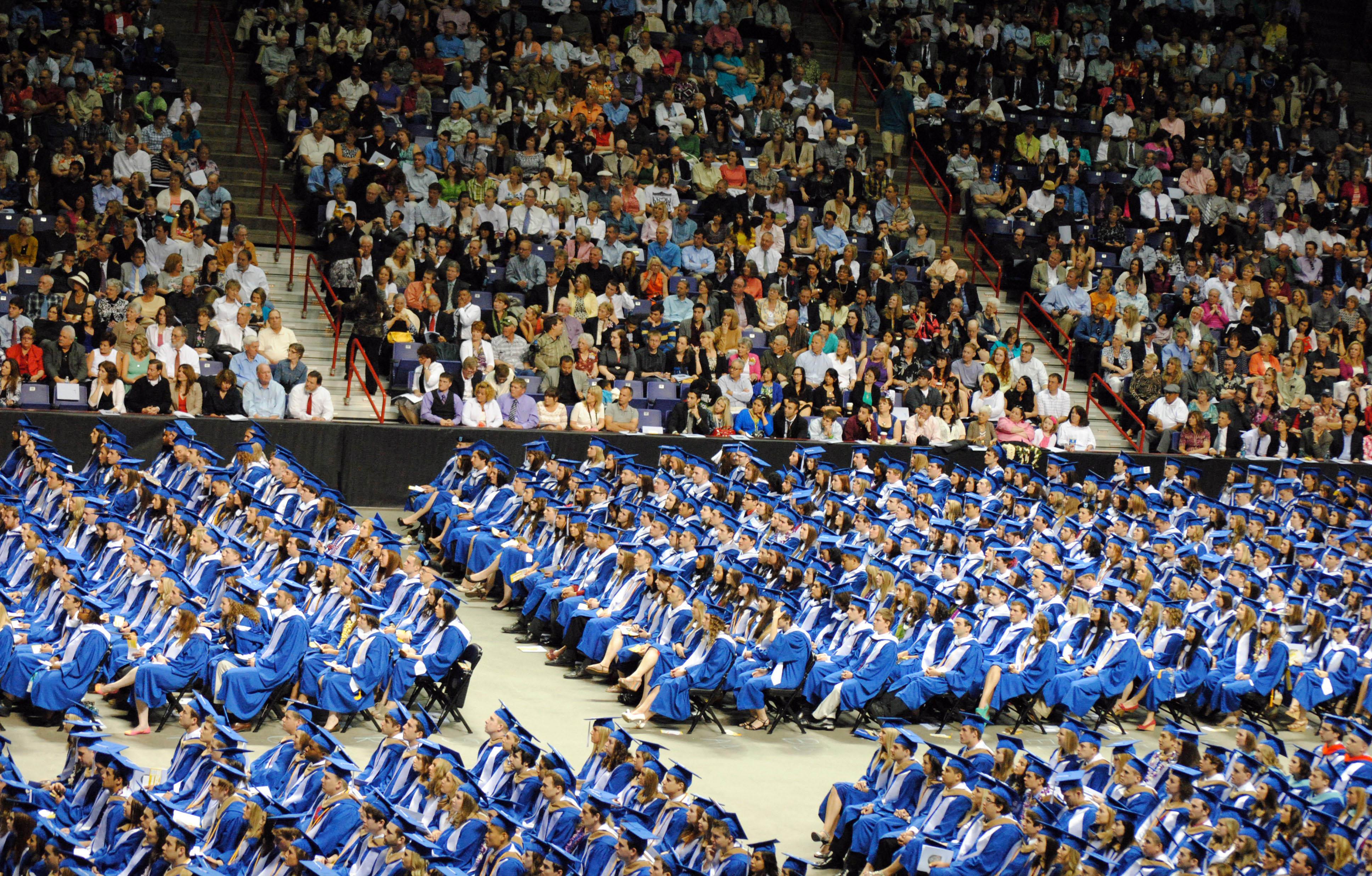 Gonzaga graduates/Tracy Simmons - SpokaneFAVS.com