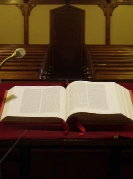 FLI_101612_pulpit
