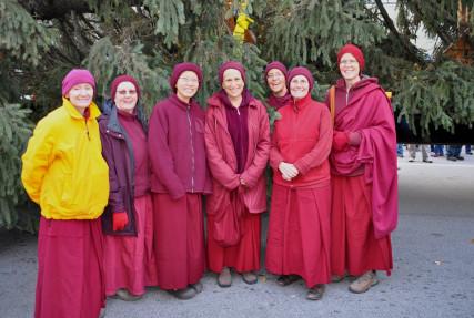 Sravasti Abbey nuns with the Capitol Christmas Tree