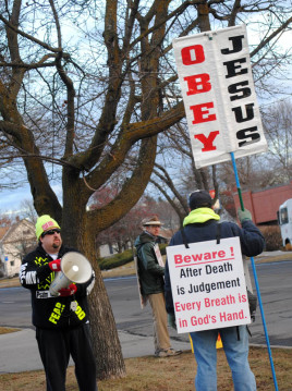 Small group demonstrates outside Planned Parenthood of Greater Washington and North Idaho/Tracy Simmons