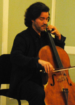 Cellist Zuill Bailey performs on the Dinner Table/Tracy Simmons - SpokaneFAVS