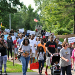 People gather to march in Ferguson, Mo. on Aug. 15, 2014. Photo courtesy of Loavesofbread (Own work) [CC-BY-SA-4.0 (http://creativecommons.org/licenses/by-sa/4.0)], via Wikimedia Commons