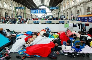 Syrian refugees at Budapest Keleti railway station, 4 September 2015. Wikipedia photo by Rebecca Harms from Wendland, Germany