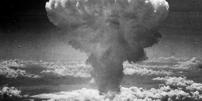 an argument in favor of dropping an atomic bomb on hiroshima and nagasaki by the united states The us decision to drop atomic bombs on hiroshima and nagasaki in 1945   kuznick and selden's arguments, however, were dismissed as.