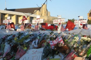 A makeshift memorial in tribute to the victims of the Northern Illinois University shooting, one of many school shootings that afflicted the United States./Wikipedia photo by Abog